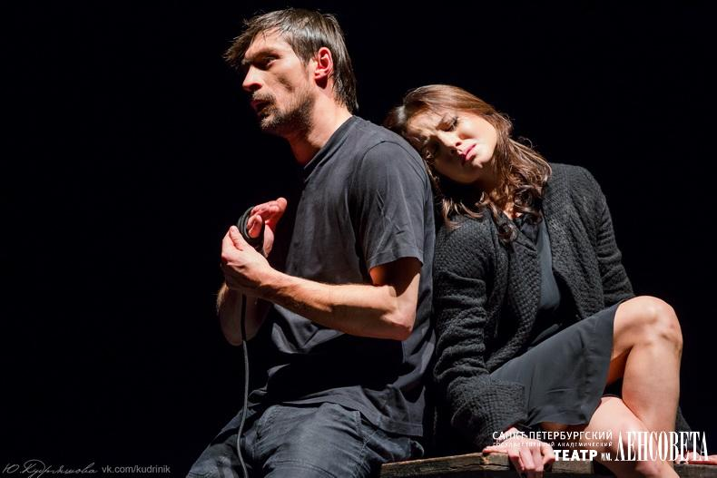 http://lensov-theatre.spb.ru/images/watermark/watermark.php?image=877_5887.jpg (Леди Макбет и Макбет)